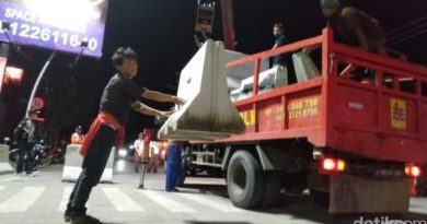 "Blokade Beton Dibongkar ""Lima Ruas Jalan di Kota Tegal Dibuka """